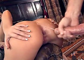Luxury chick Linet Slag is under wild double penetration