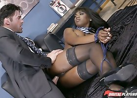 Breath-taking ebony babe Ana Foxxx screwed brutally in the office