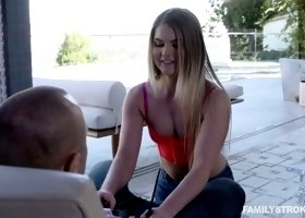 Greedy for semen babe Brooke Karter enjoys eating her favorite delicacy
